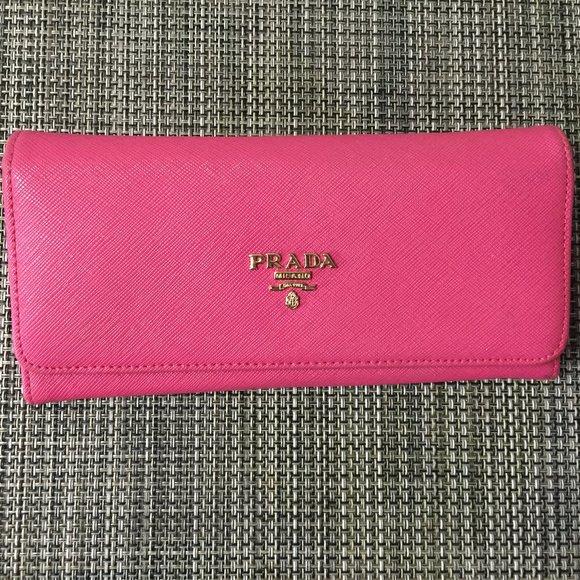 Prada pink wallet